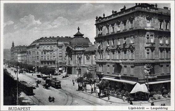 1 121_001 Al lado del Teatro de la Comedia de 1900