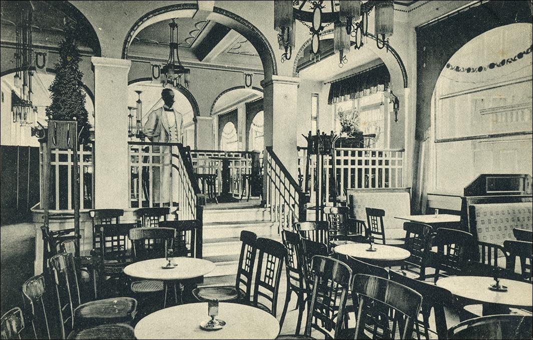 Cafe Opera Lubeck