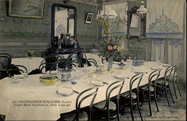 084_001_45-chateauneuf-sur-loire-hotel-restaurant-carte-pub-salle-a-manger-d45d-k45082k-c45082c-rh064908
