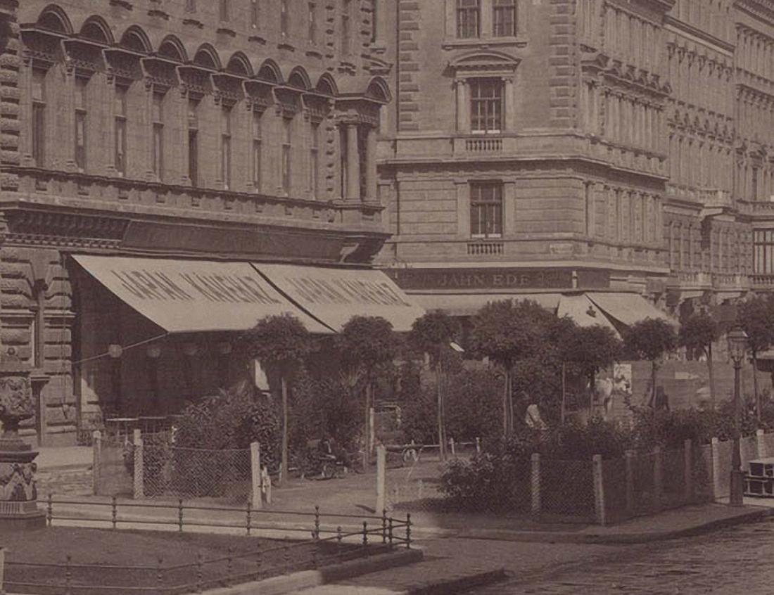 Budapest,_Wodianer-palota,_Liszt_Ferenc_tér_-_Fortepan_82404